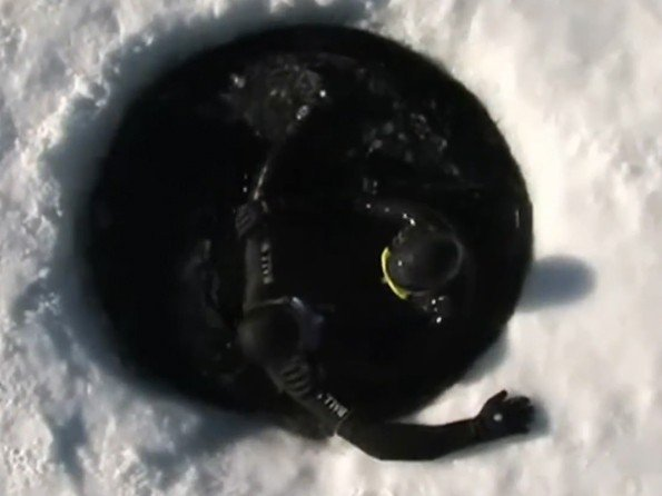 Ball Watch  - Vidéo. Explorer Guillaume Néry - Ultimate Ice Diving