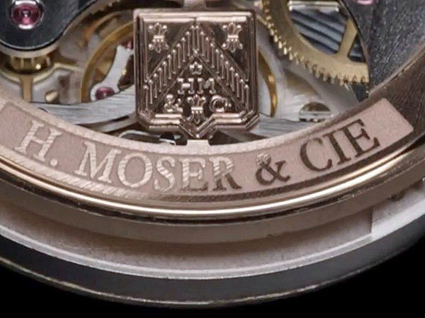 H. Moser & Cie - Video. Endeavour Dual Time