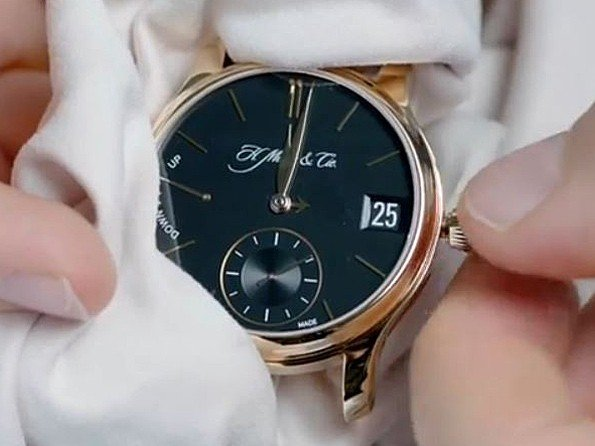 H. Moser & Cie - Video. Very Rare Watches
