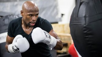 Floyd Mayweather returns to the ring People and interviews
