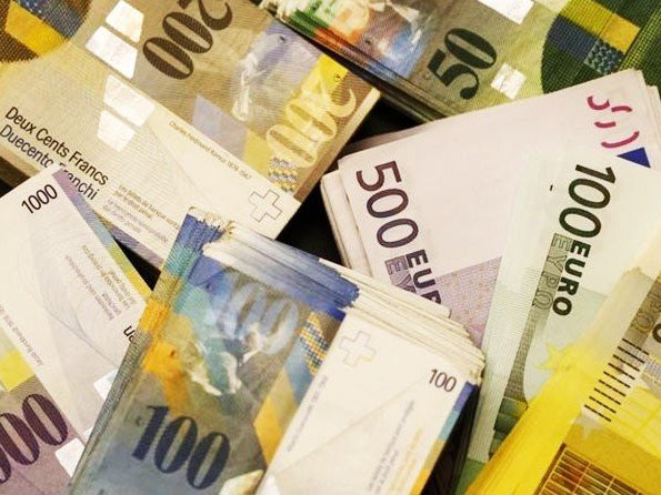 Analysis - Strong Swiss franc – the impact for the customer