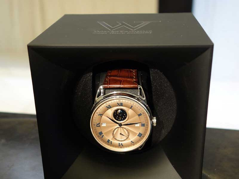 Win a SwissKubiK StartBox watchwinder - A new competition every day