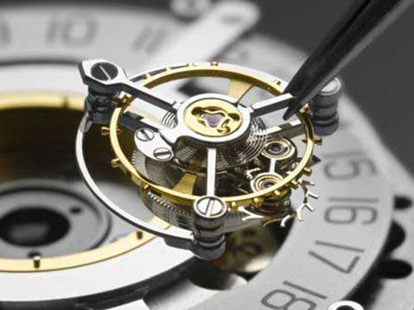 Central tourbillons - A rare breed