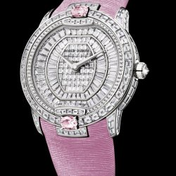 Velvet Haute Joaillerie, white gold, diamonds  and pink sapphires   © Roger Dubuis