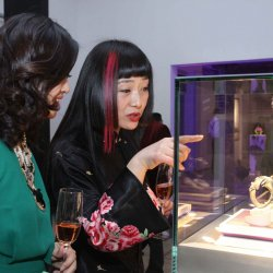 Artist Yanling Ma viewing the Pavonina collection
