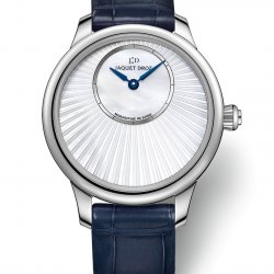 Petite Heure Minute 35mm Mother-of-Pearl, réf. j005004371   © Jaquet Droz