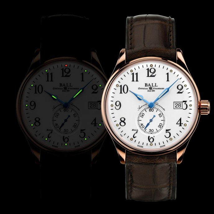 Ball Watch Trainmanster Standard Time NM3888D-PG-LCJ-WH - night view
